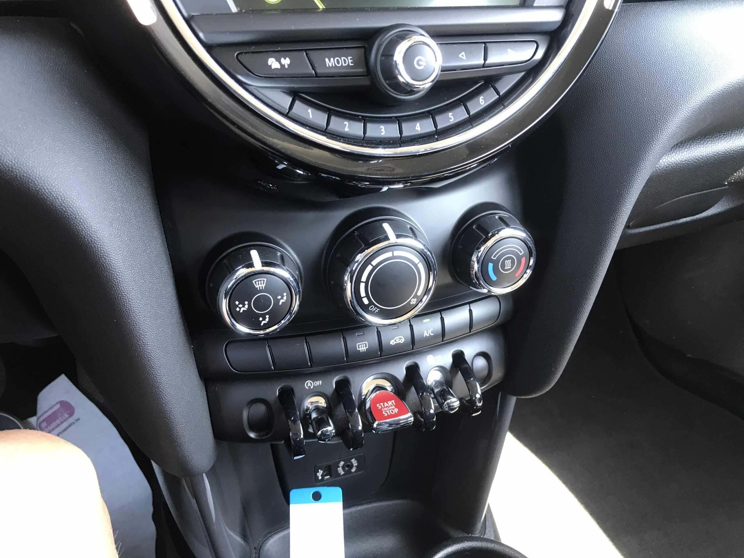 Mini cooper benzine 5-deurs!!