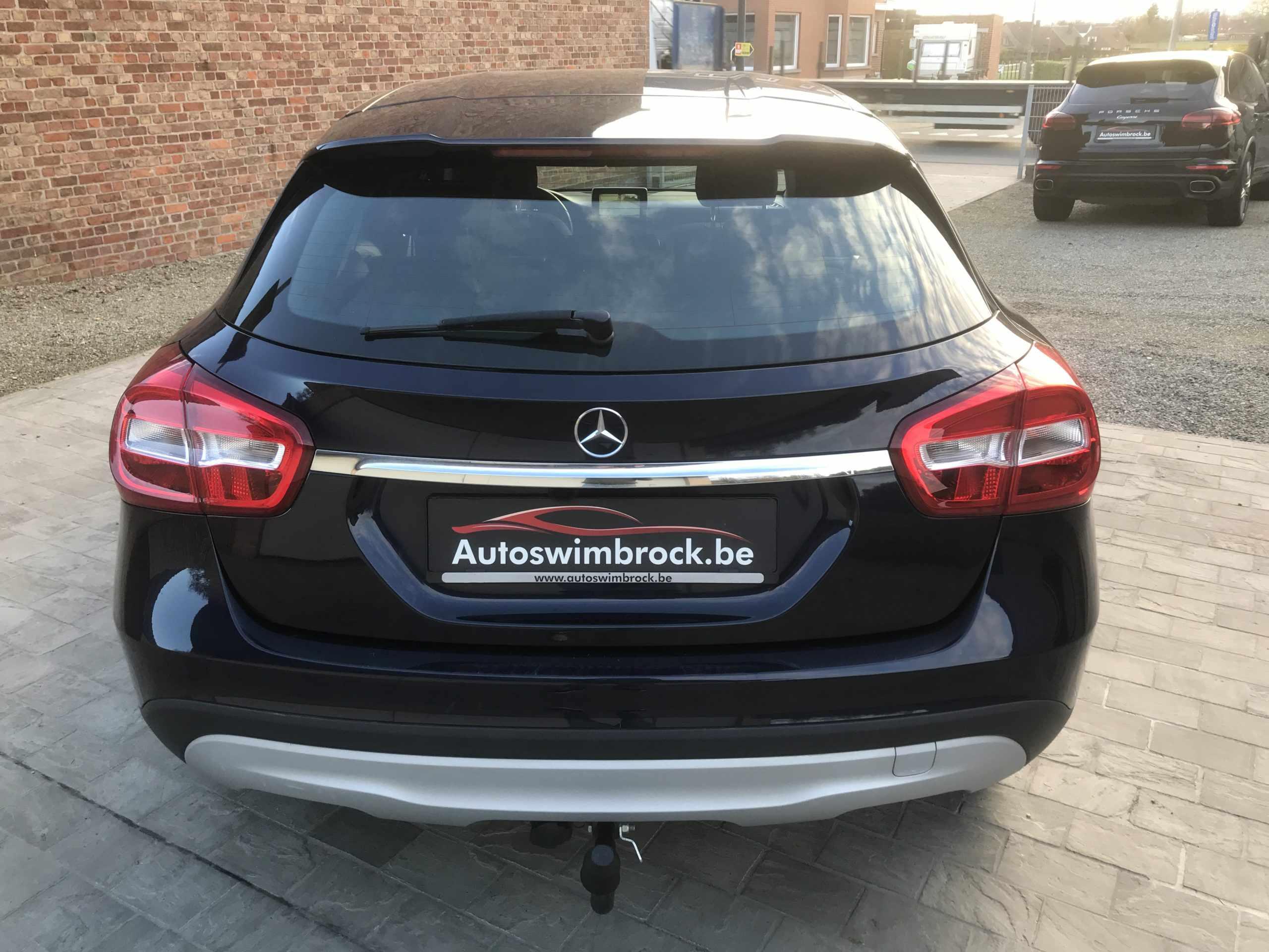 Mercedes GLA 180 benzine !!