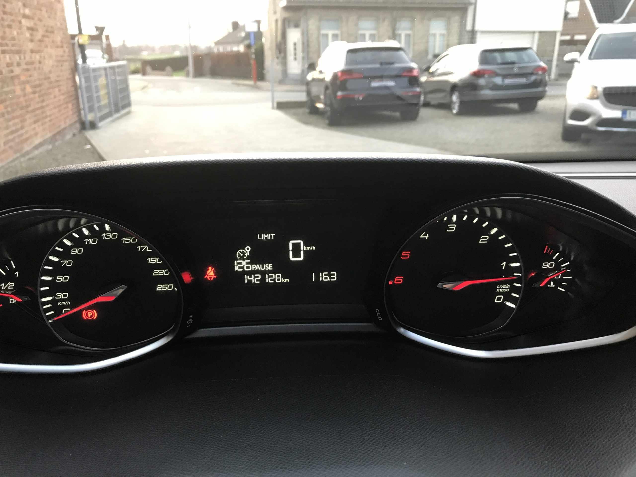 Peugeot 308 hdi allure met garantie!!