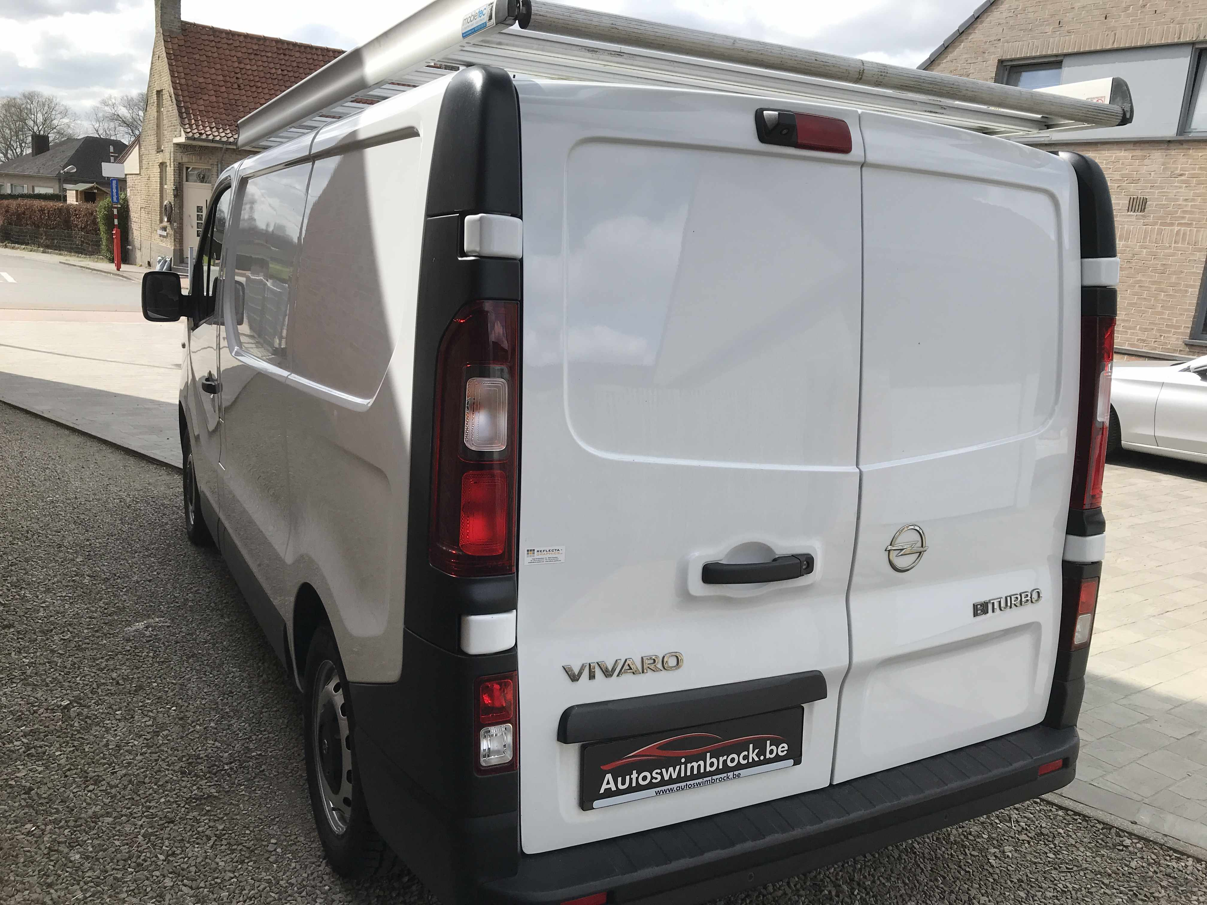 Opel vivaro lichte bestelwagen navi garantie!!