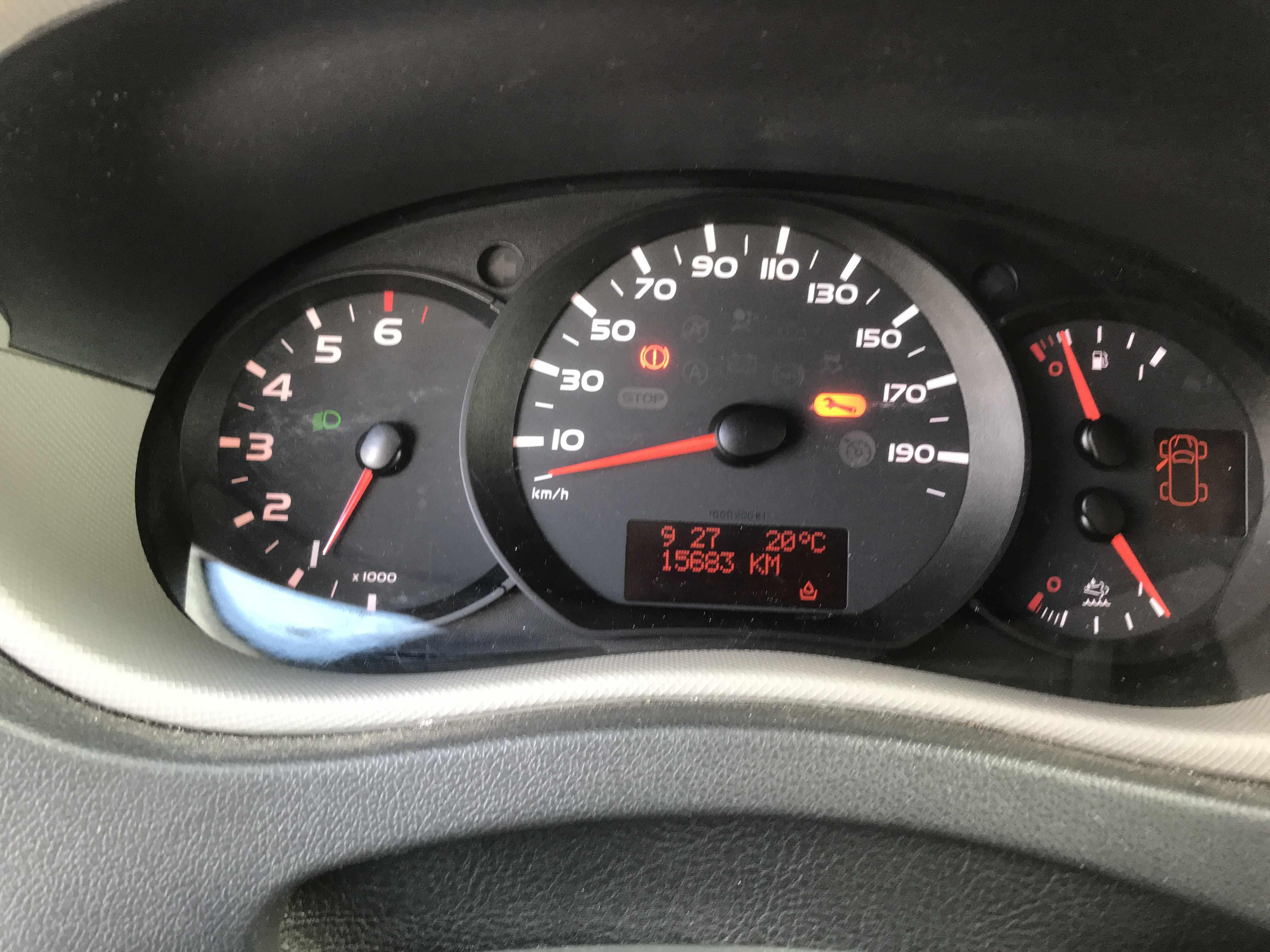 Nissan NV400 amper 15000km!!